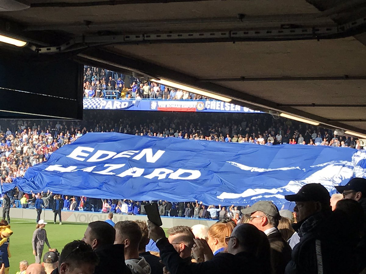 chelsea crowd flag
